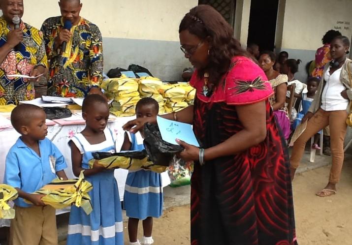 Distribution fournitures scolaires 6 Juin 2015