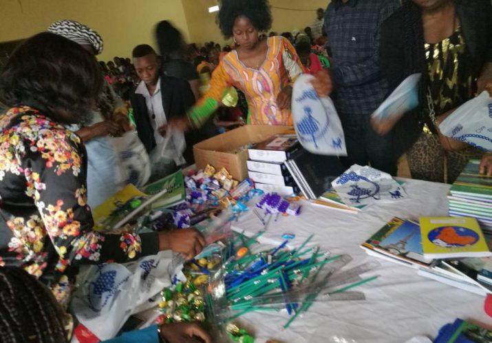 Distribution Fournitures scolaires 13 Août 2017